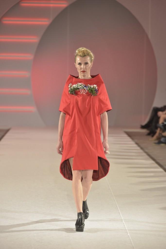 Biljana Cincarević nosi model Get Up Jasmina Vujović