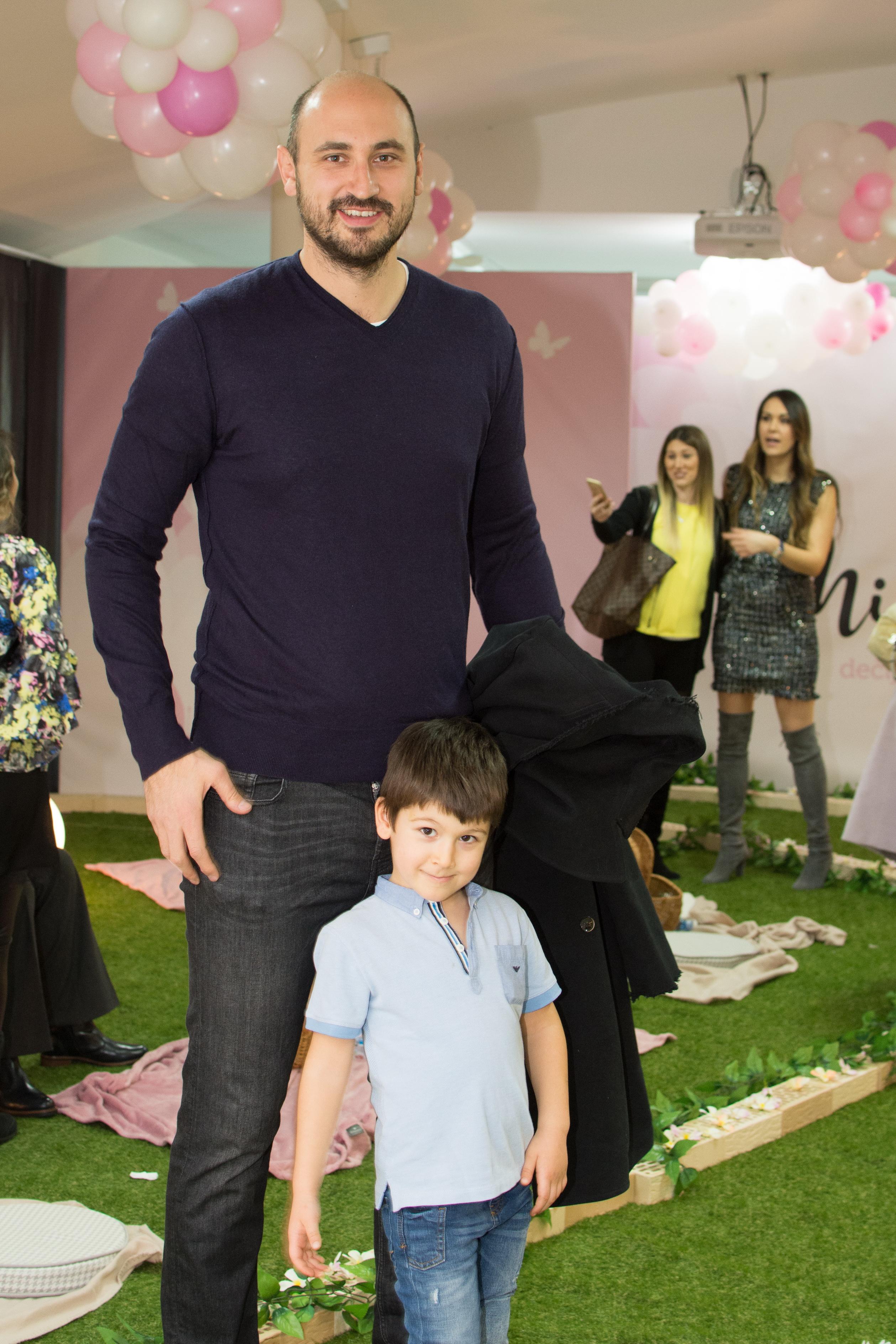 Nenad Krstic sa sinom Filipom